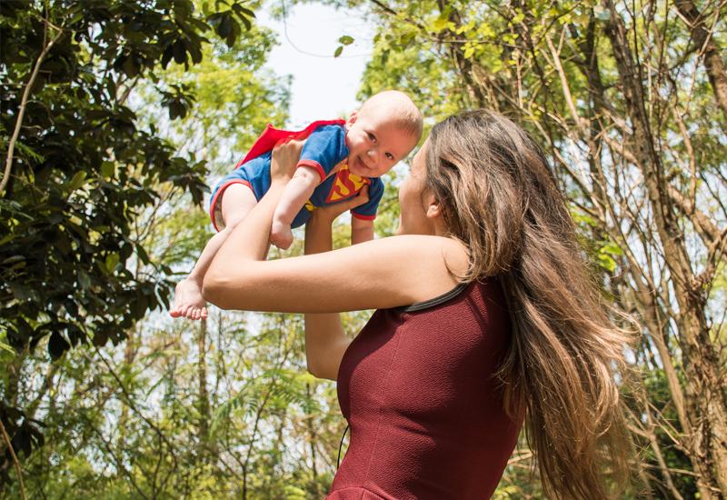 Alles Liebe zum Muttertag! 5 Gründe, warum Mütter Superheldinnen sind