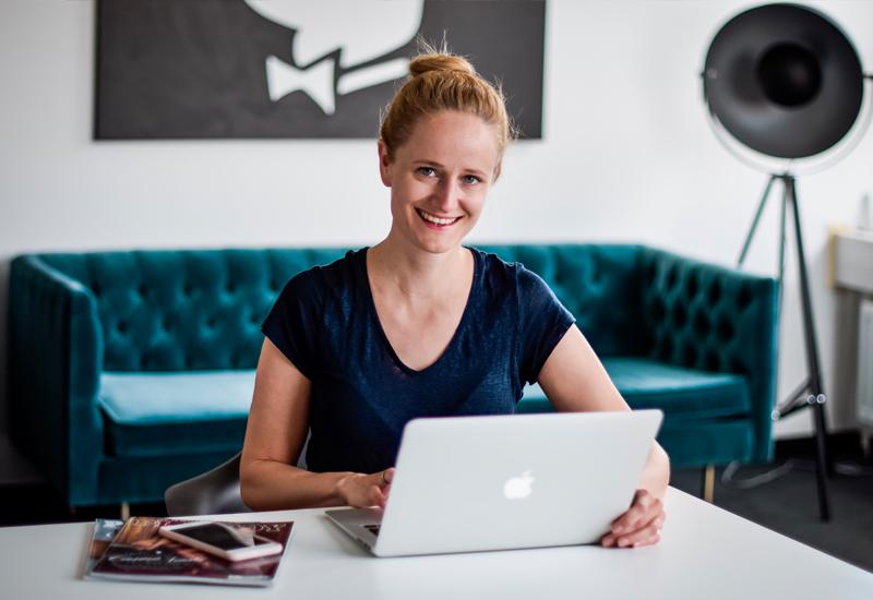Interview mit Buchautorin und 2-fach-Mutter Mareike Opitz Superheldin Jobbörse für Mütter und Väter familienfreundliche Jobs