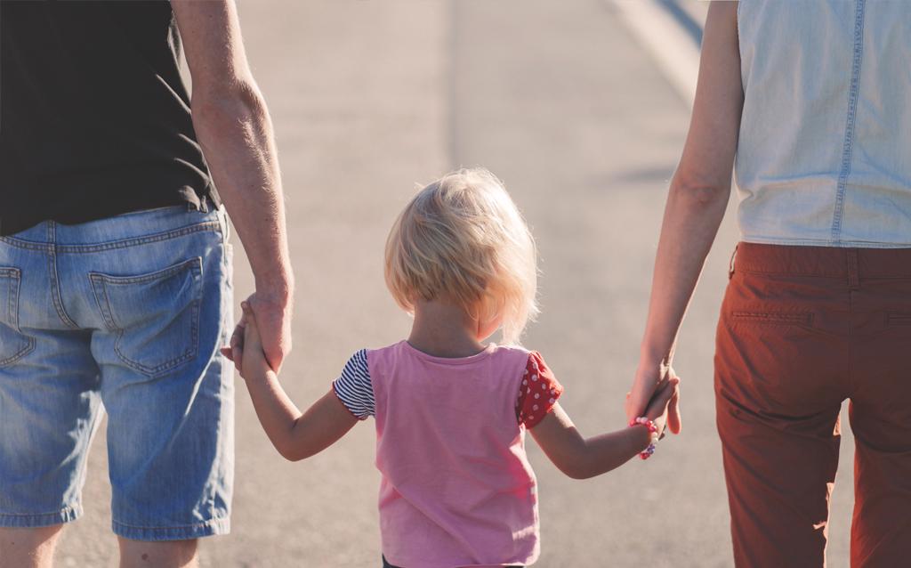 Familienfreundliche Arbeitszeitmodelle- Die Vor- und Nachteile für Unternehmen und Mitarbeiter Jobs für Mamas und Papas Superheldin