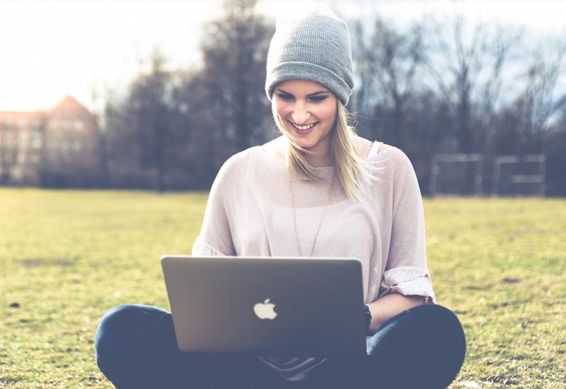 Remote Work Home Office Jobs für Mütter - Teresa Bauer - Getremote - Superheldin