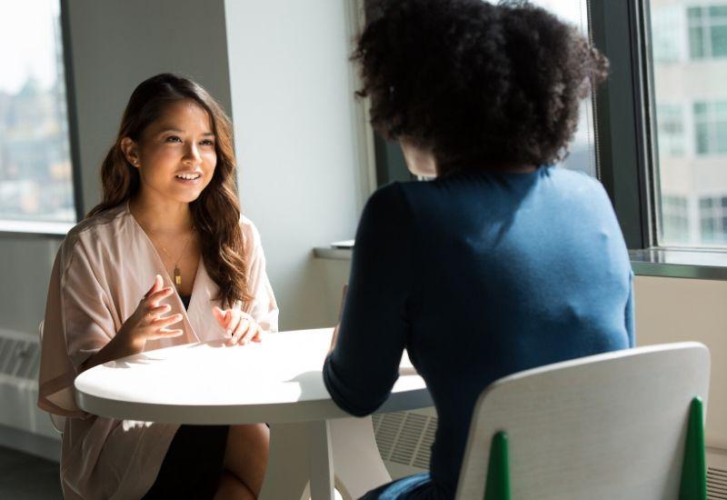 Wie Sie sich in Ihrem Unternehmen für Female Empowerment und Vereinbarkeit von Familie und Beruf einsetzen Superheldin Jobbörse für Mütter Jobs für Mamas