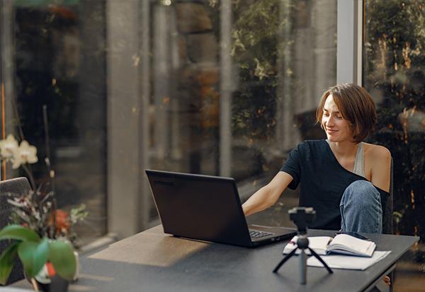 Home Office Remote Work Digitale Arbeitsplätze! Wie Mütter in Vorstädten und ländlichen Regionen gut bezahlte Jobs finden Superheldin Jobbörse Mütter Väter