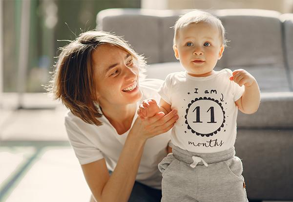 So wird dein Wiedereinstieg nach der Elternzeit ein Erfolg! Restart Today Buchempfehlung HAUFE Jobbörse Mütter Väter Superheldin
